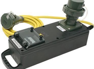 Kabel und Steckverbindungen